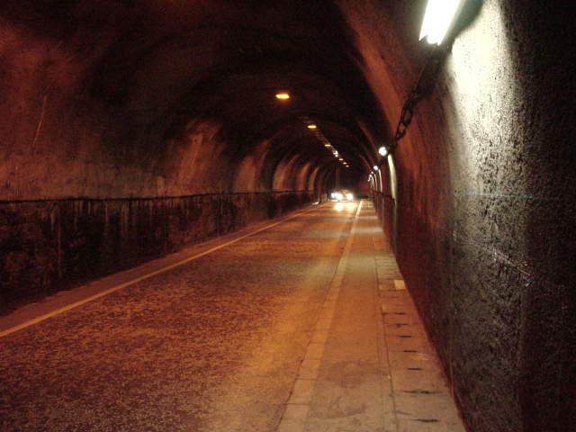 2つの「小坪トンネル」