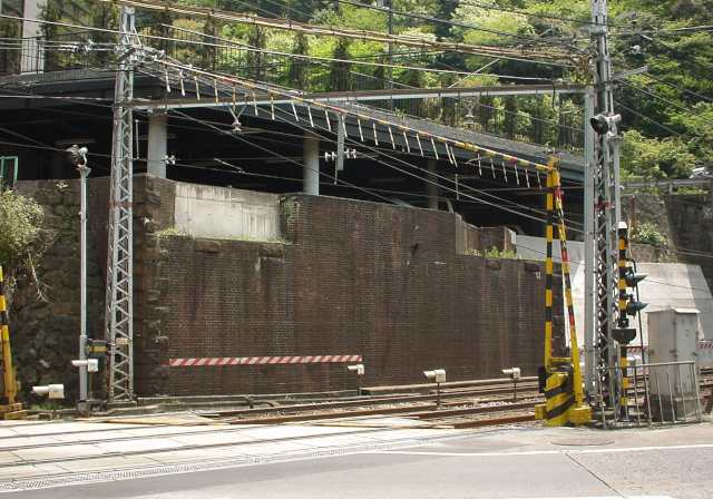 写真:橋台跡2。クリックすると大きな画像が出ます。