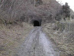 写真:トンネル北側坑口2